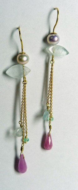 Earrings, gemstones on chains, gold